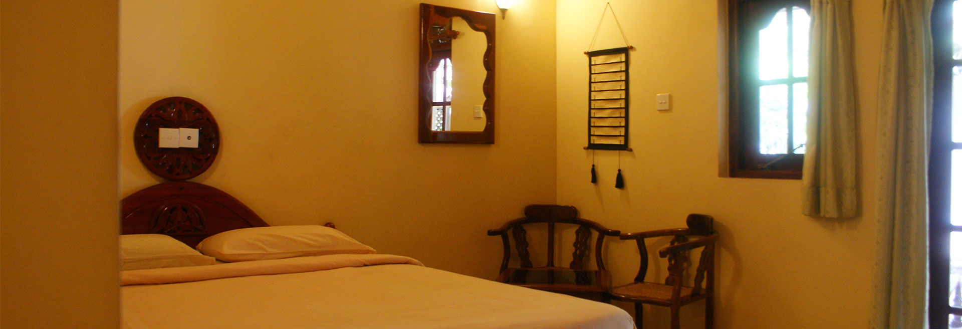 deluxe room at Deduwa boat house