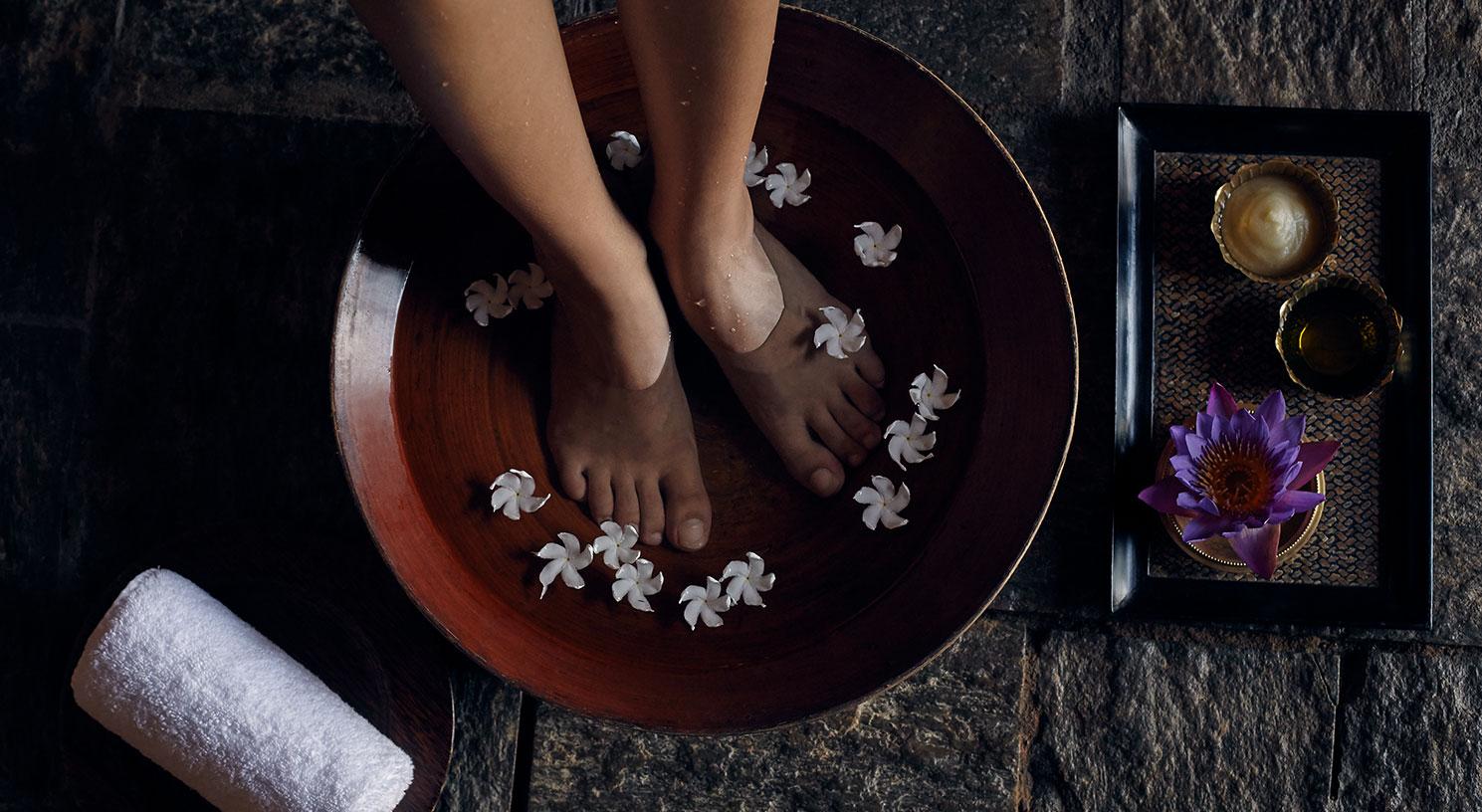 Foot wash basket