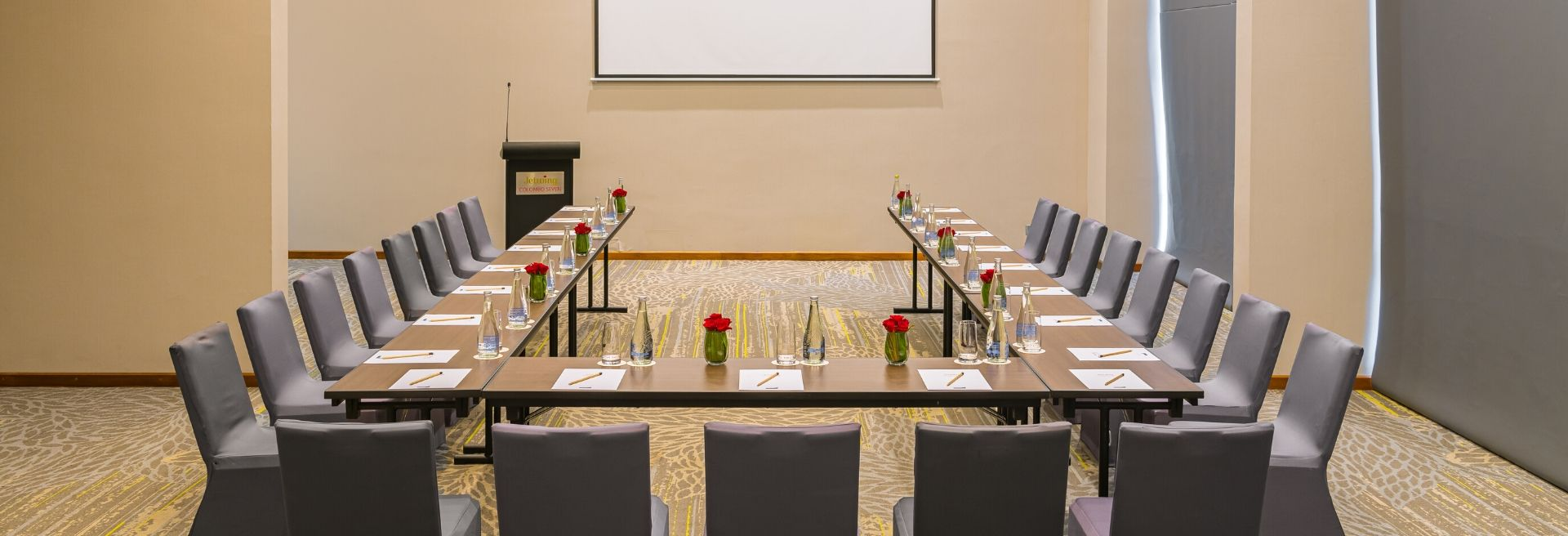 Spacious And Luxury Conferance Room