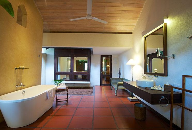 Luxury Washroom With Amenities