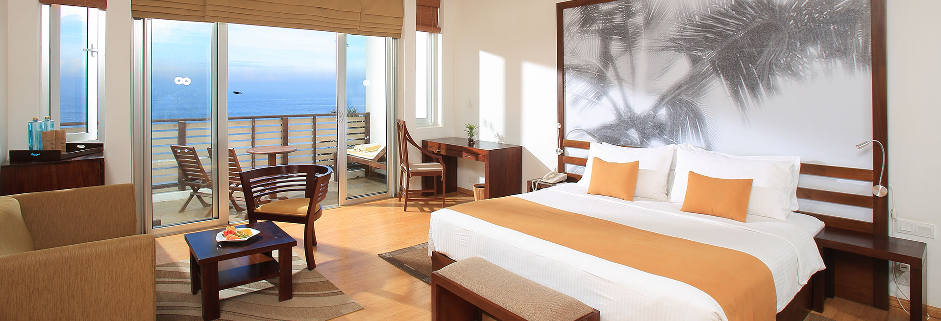 Luxury Double Bedroom With Beachside View