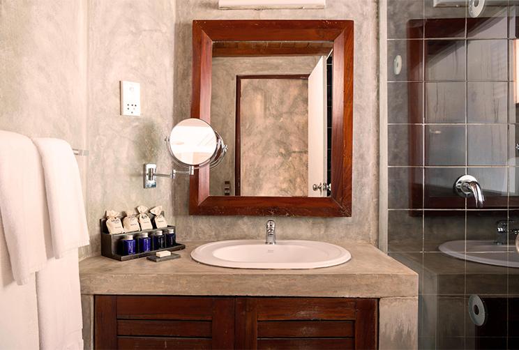 Luxury Washrooms At Jetwing Sea