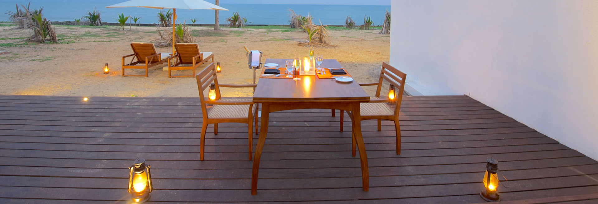 lovely outdoor diner by the beach