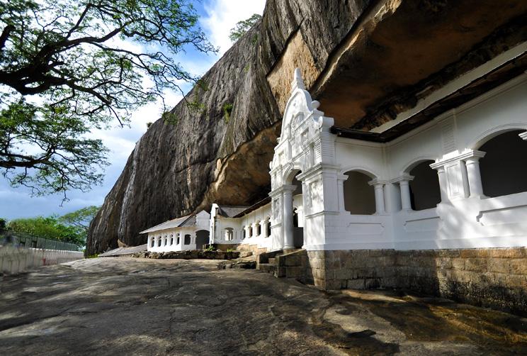 Exterior view of Dambulla rock temple