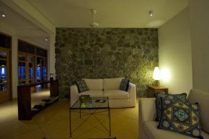 Sofa/ Lounge area