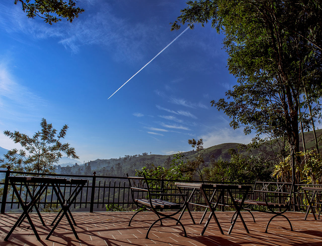 Outdoor dining overlooking the tea plantations in Hatton